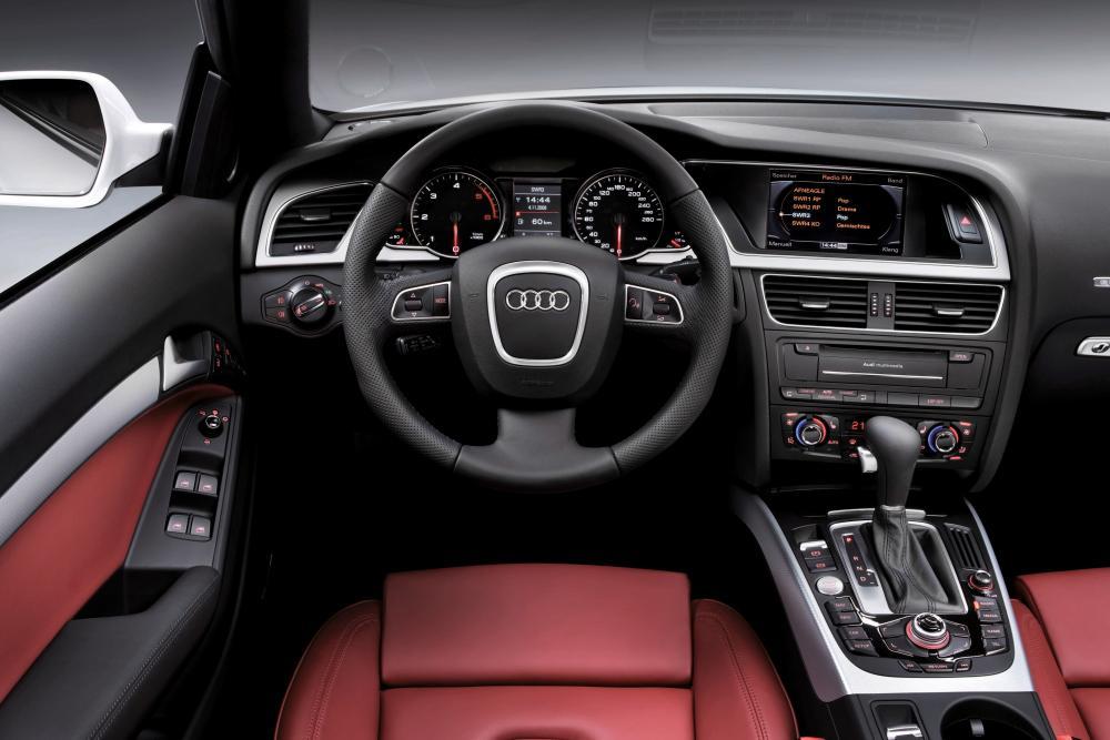 Audi A5 1 поколение 8T (2009-2011) Кабриолет интерьер