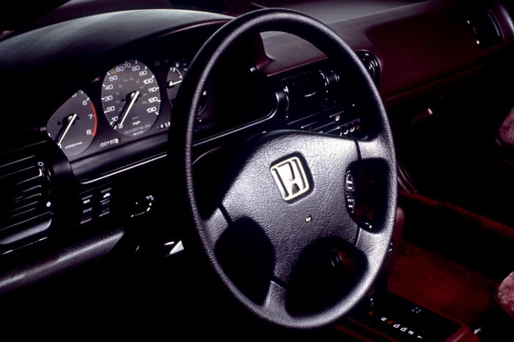 Honda Accord 4 поколение (1989-1994) Купе интерьер