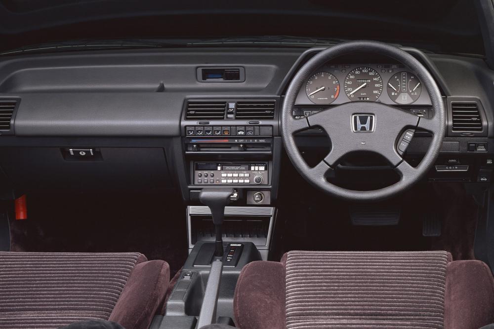 Honda Accord 3 поколение Универсал интерьер
