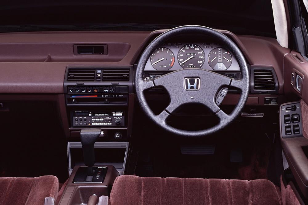 Honda Accord 3 поколение Седан интерьер