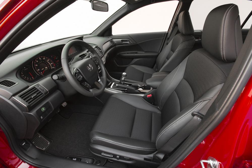 Honda Accord 9 поколение [рестайлинг] (2015-2017) Седан интерьер