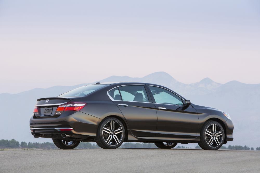 Honda Accord 9 поколение [рестайлинг] (2015-2017) Седан