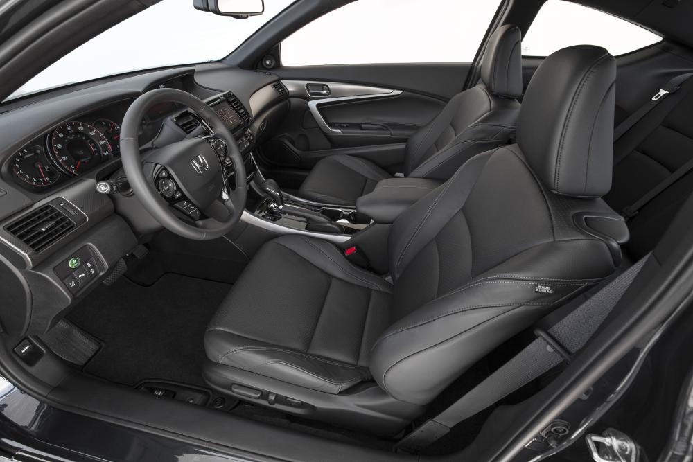 Honda Accord 9 поколение [рестайлинг] (2015-2017) Купе интерьер