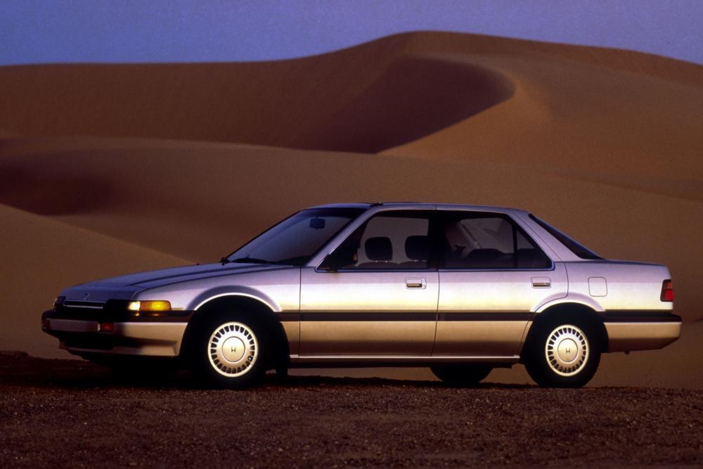 Honda Accord 3 поколение US-spec седан 4-дв.