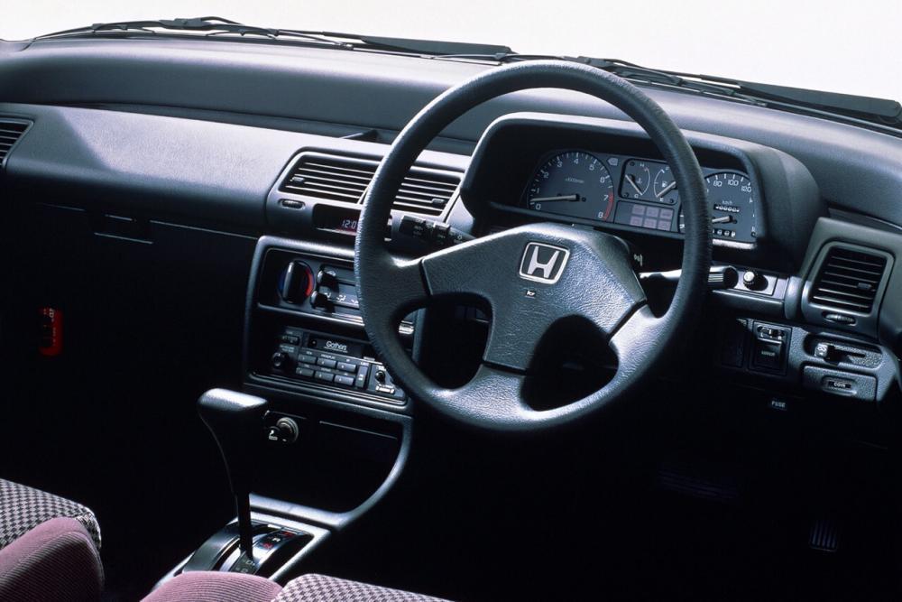Honda Civic 4 поколение Хетчбэк интерьер