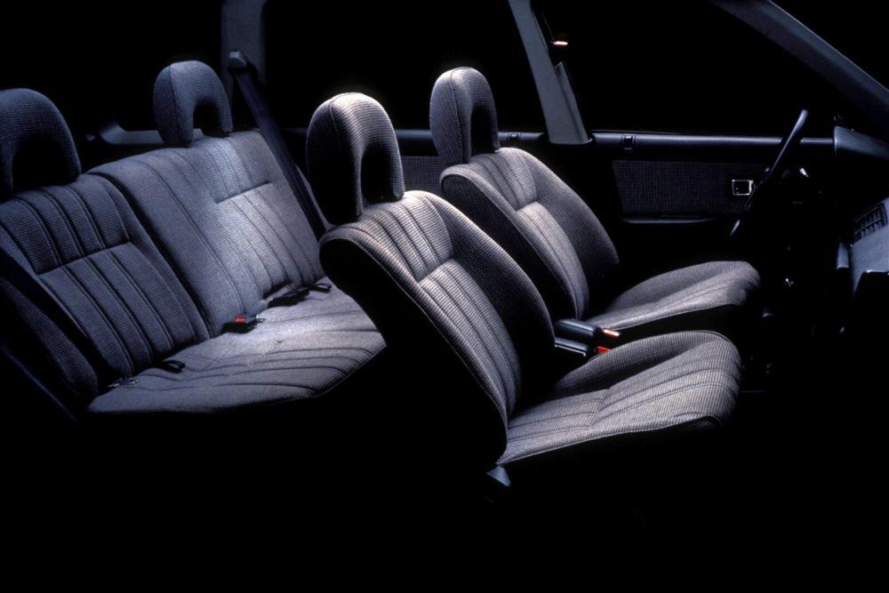 Honda Civic 3 поколение Shuttle универсал 5-дв. интерьер