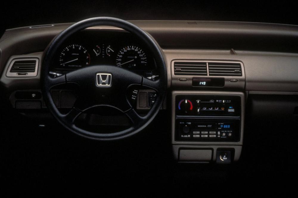 Honda Civic 4 поколение Седан интерьер