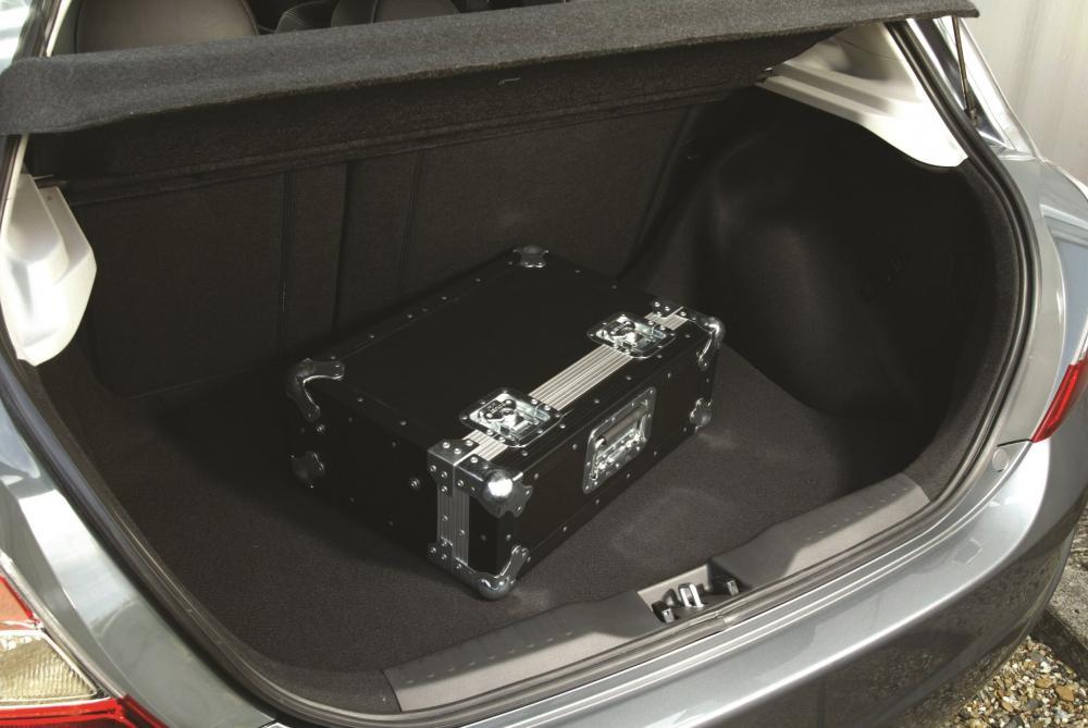 Honda Civic 7 поколение рестайлинг Хетчбэк 5-дв. багажник