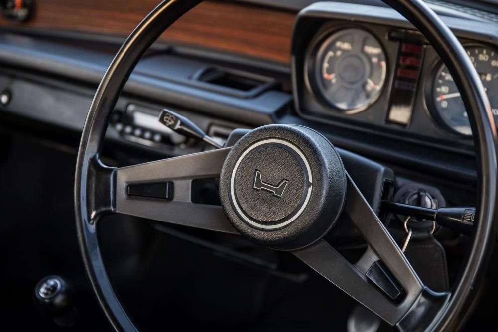 Honda Civic 1 поколение Седан 2-дв. интерьер