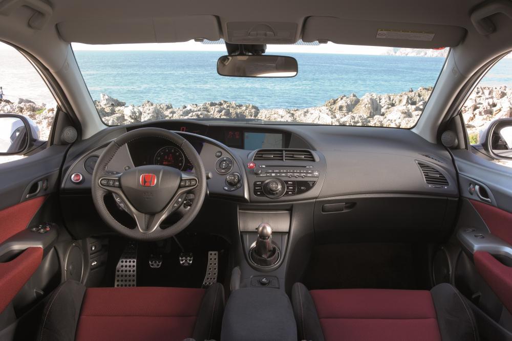 Honda Civic 8 поколение Type-R хетчбэк 3-дв. интерьер