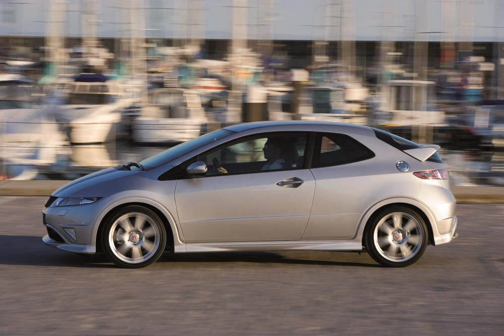 Honda Civic 8 поколение Type-R хетчбэк 3-дв.