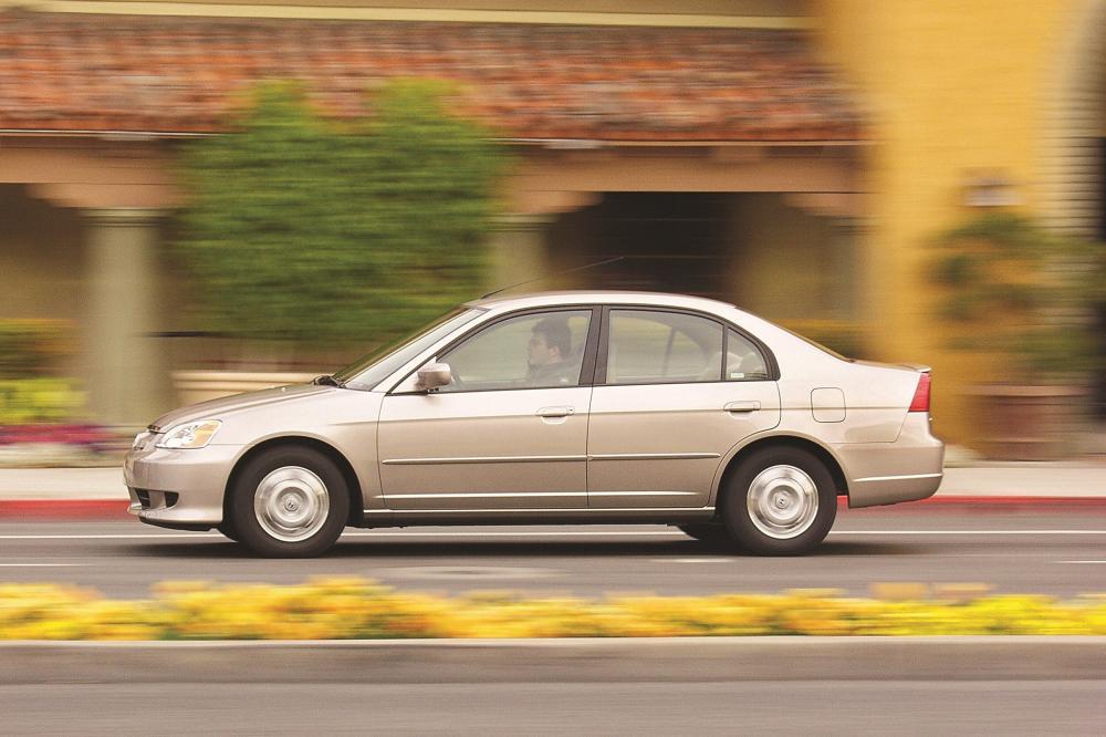 Honda Civic 7 поколение рестайлинг Hybrid седан 4-дв.