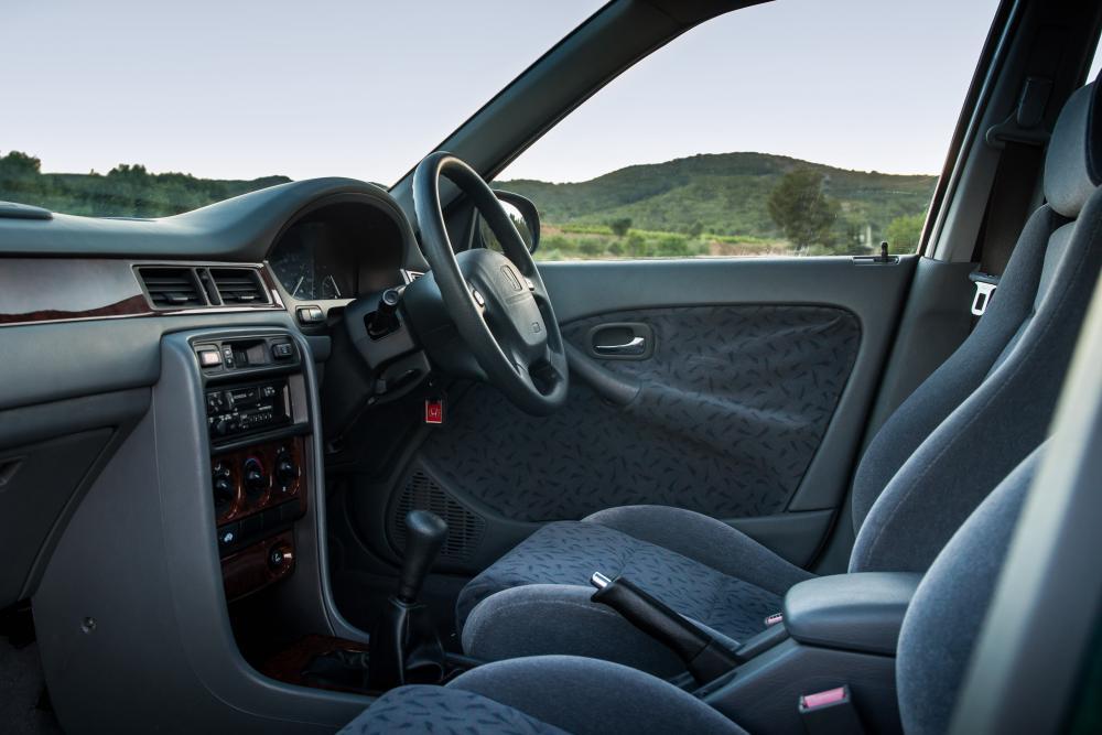 Honda Civic 6 поколение Лифтбэк интерьер