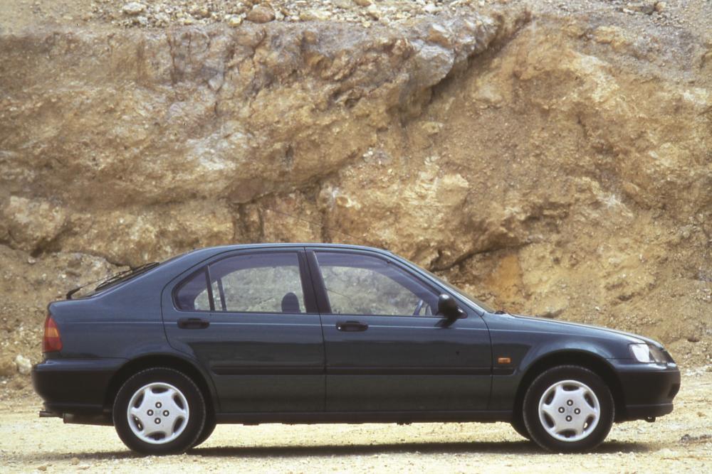 Honda Civic 6 поколение Лифтбэк
