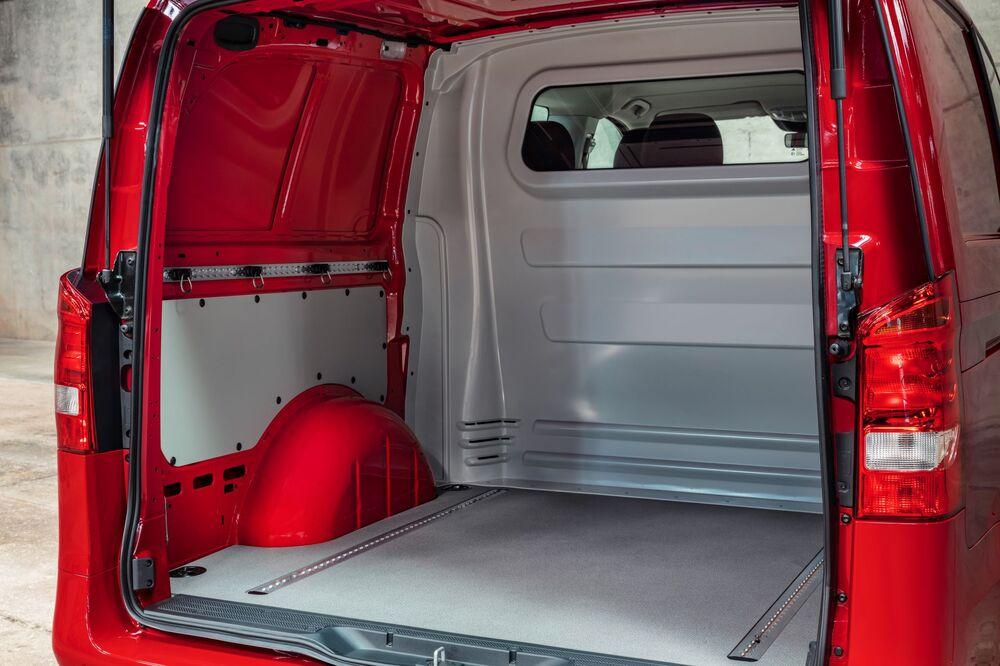 Mercedes-Benz Vito W447 [рестайлинг] (2020-н.в.) фургон Mixto