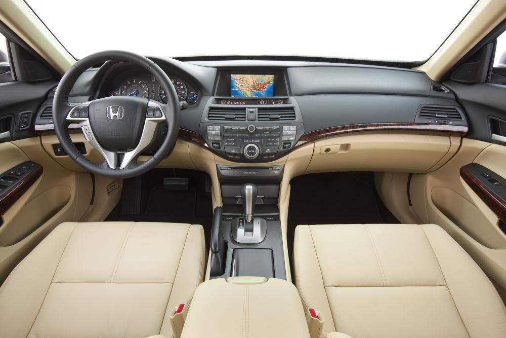 Honda Crosstour 1 поколение интерьер