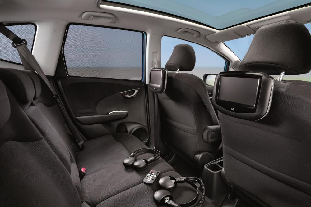 Honda Jazz 2 поколение Хетчбэк интерьер