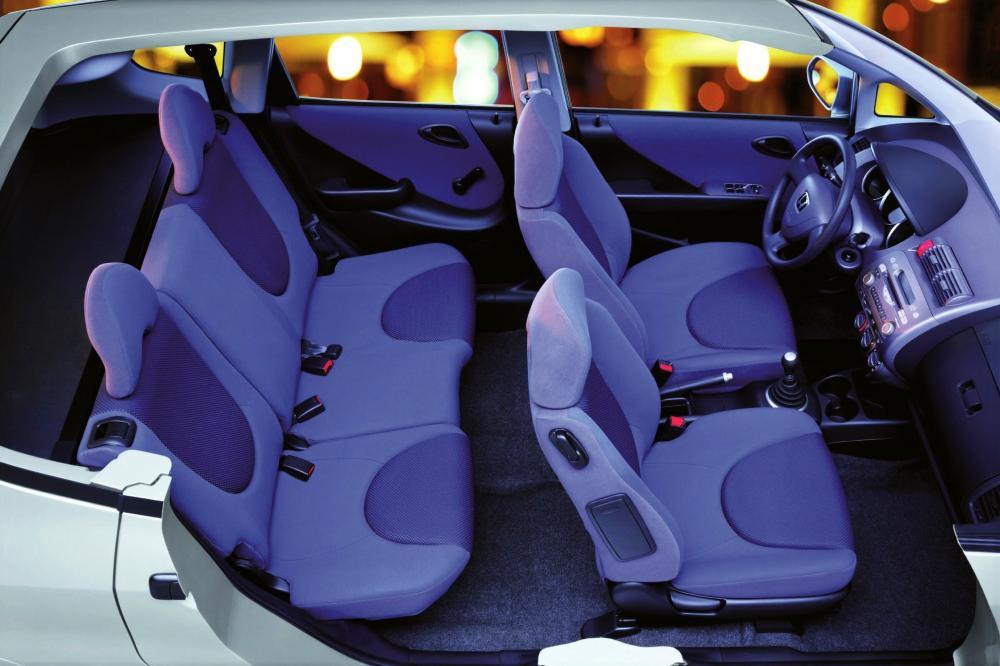 Honda Jazz 1 поколение Хетчбэк интерьер
