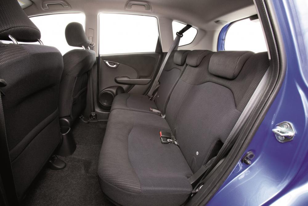 Honda Jazz 2 поколение рестайлинг Хетчбэк 5-дв. интерьер