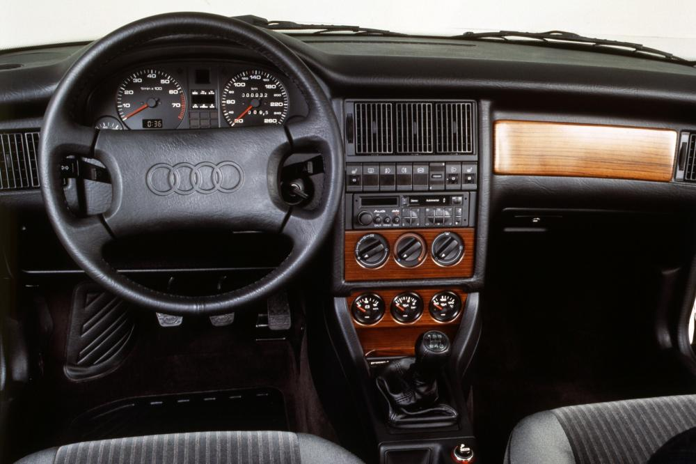 Audi Coupe B3 (1988-1996) Купе интерьер