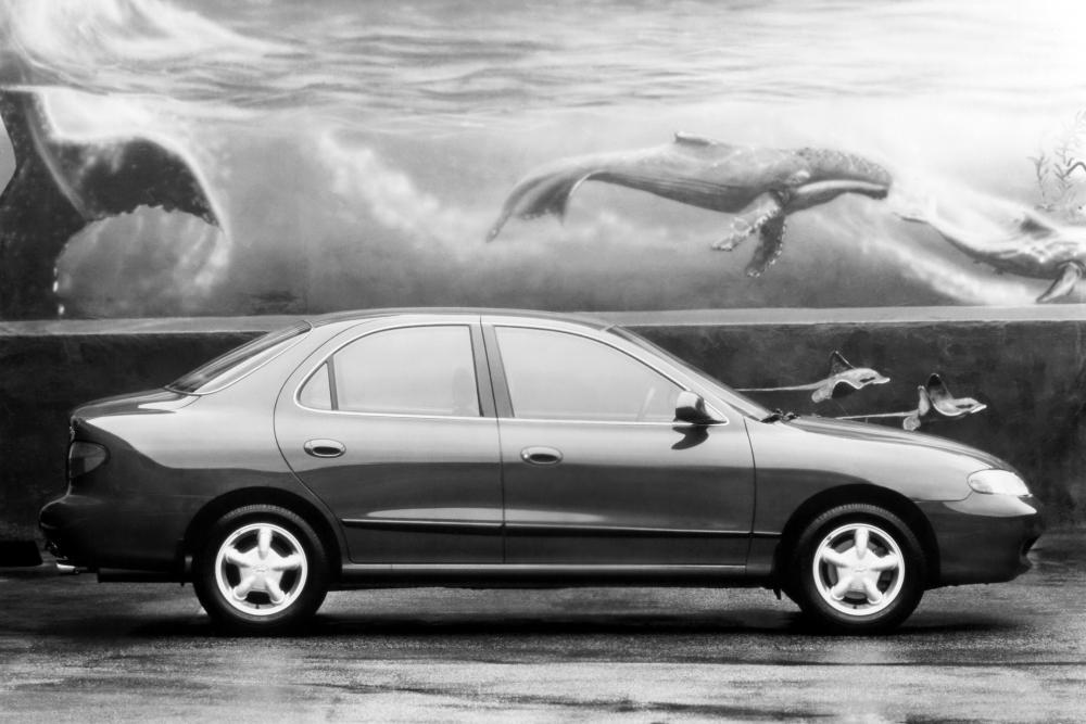 Hyundai Elantra 2 поколение J2 (1995-1998) Седан