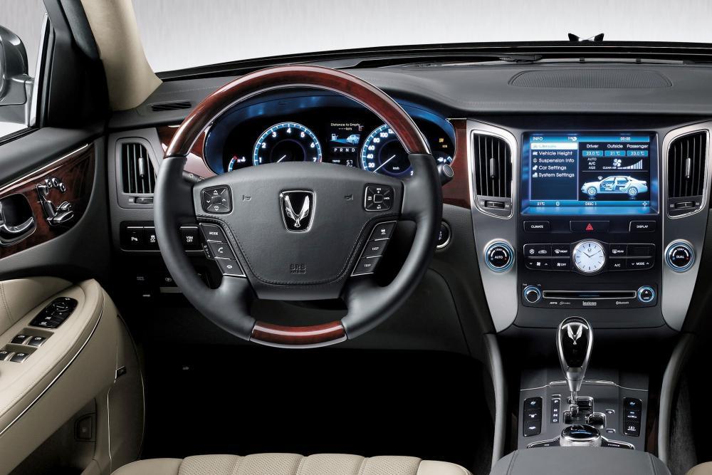 Hyundai Equus 2 поколение (2010-2013) Седан интерьер