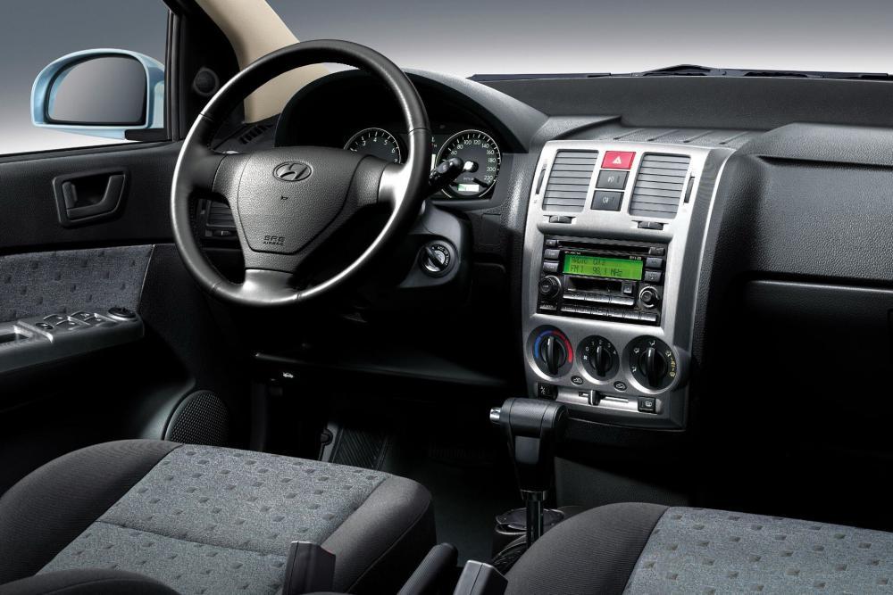 Hyundai Getz 1 поколение [рестайлинг] (2005-2011) Хетчбэк 3-дв. интерьер