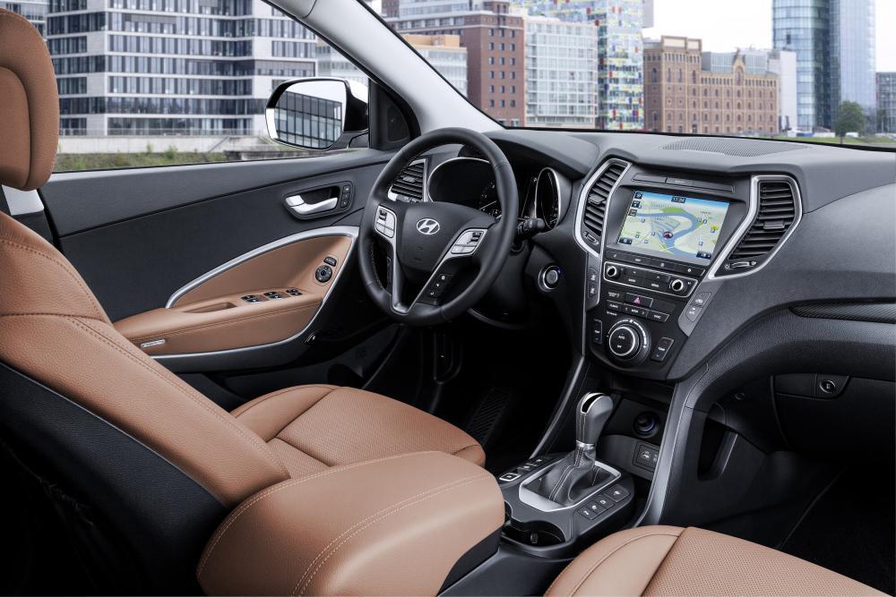 Hyundai Santa Fe 3 поколение DM рестайлинг кроссовер 5-дв. интерьер