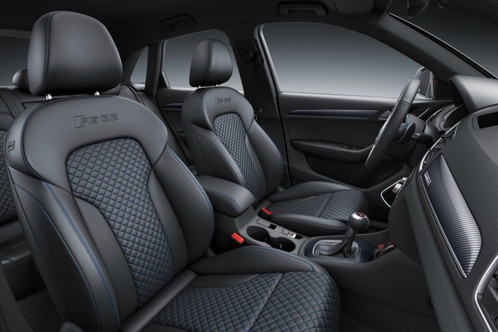 Audi RS Q3 1 поколение 8U рестайлинг интерьер