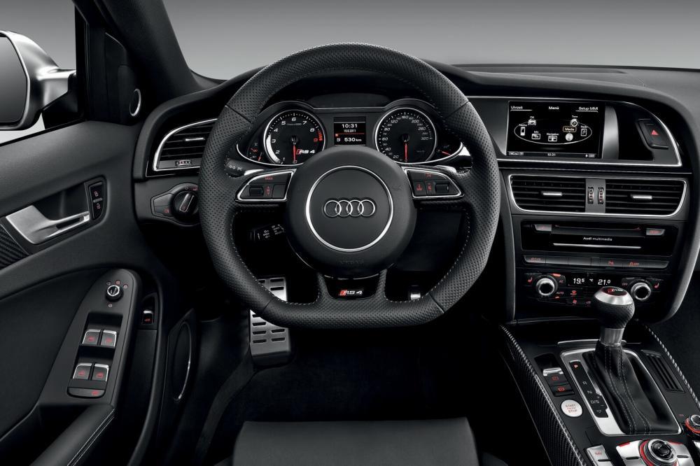 Audi RS 4 B8 Avant интерьер