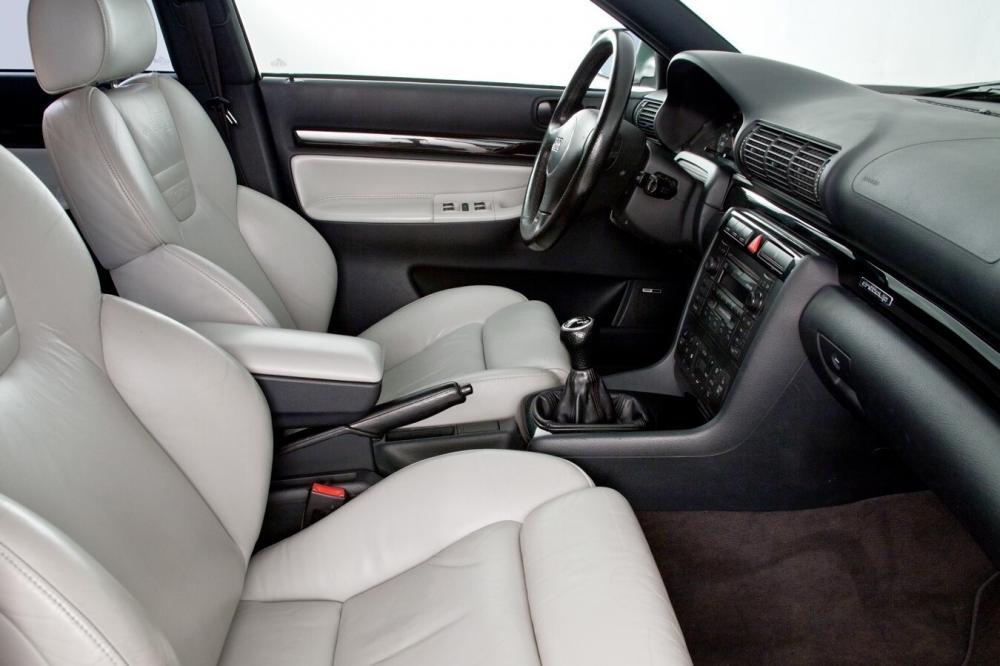 Audi RS 4 B5 Avant интерьер