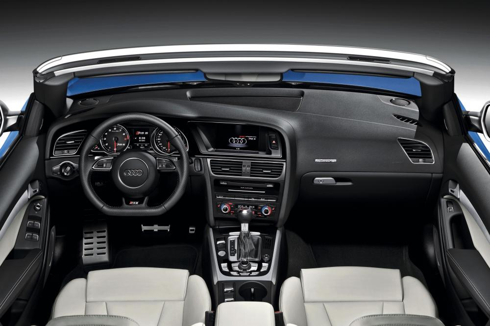 Audi RS 5 8T рестайлинг (2013-2015) Кабриолет интерьер