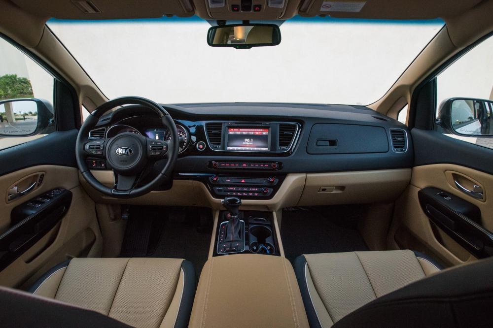 Kia Carnival 3 поколение YP (2014-2020) Grand минивэн интерьер