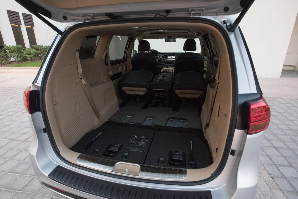 Kia Carnival 3 поколение YP (2014-2020) Grand минивэн багажник