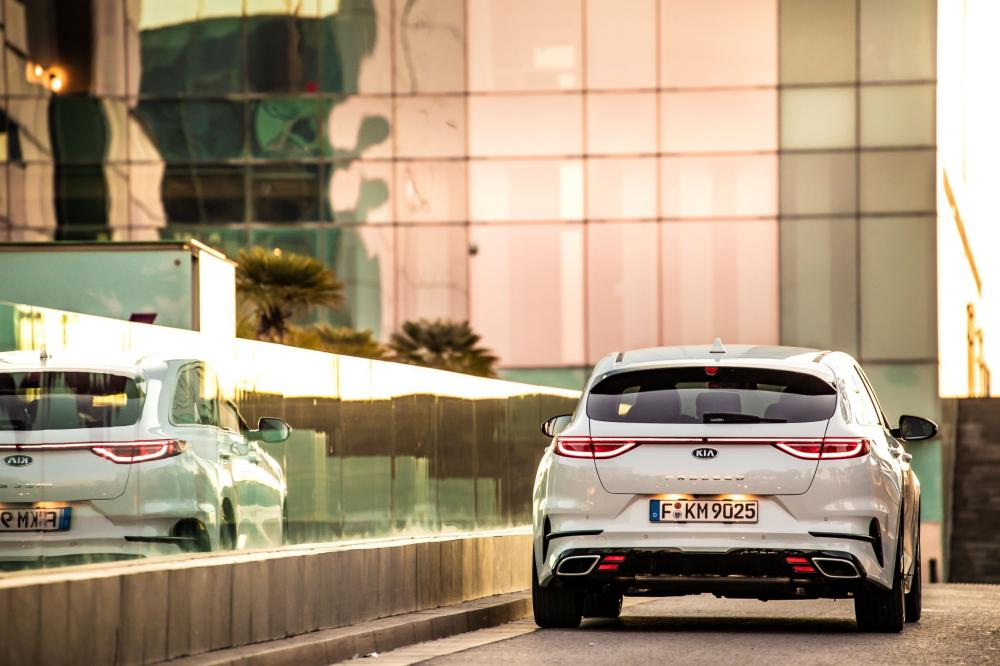 Kia Cee'd 3 поколение (2018) ProCeed универсал 5-дв.