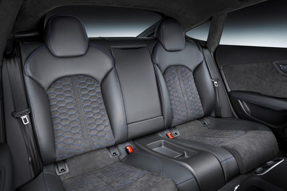 Audi RS 7 4G рестайлинг Sportback лифтбэк интерьер