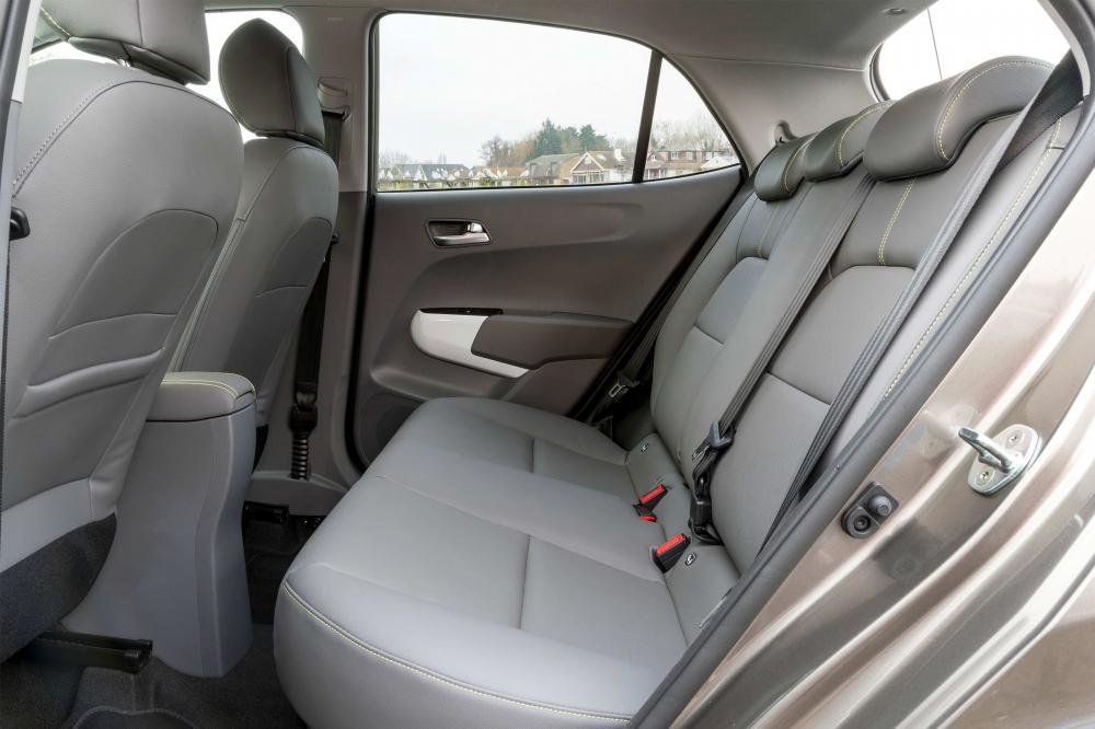 Kia Picanto 3 поколение X-Line хетчбэк 5-дв. интерьер