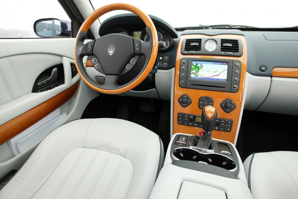 Maserati Quattroporte 5 поколение интерьер