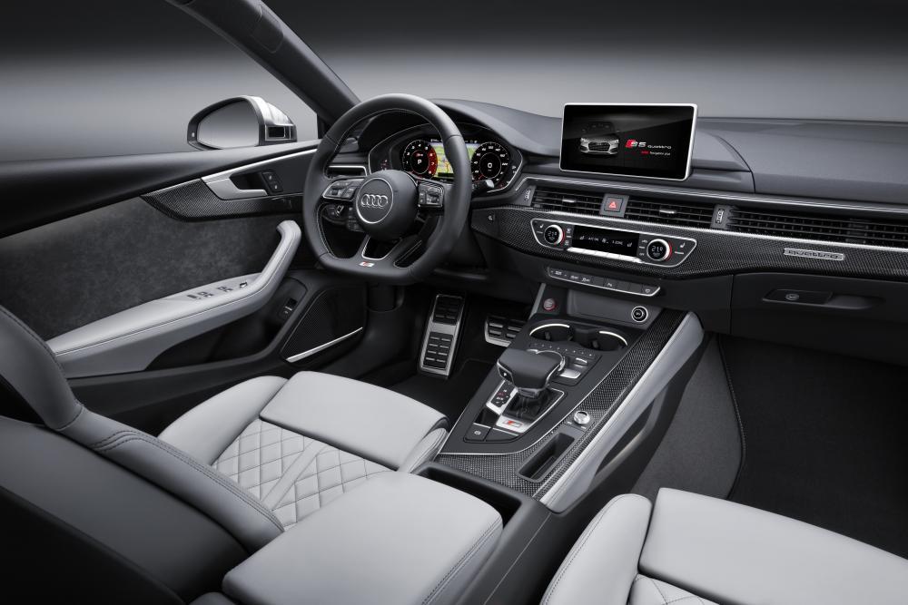 Audi S5 2 поколение (2016-2019) Sportback лифтбэк интерьер