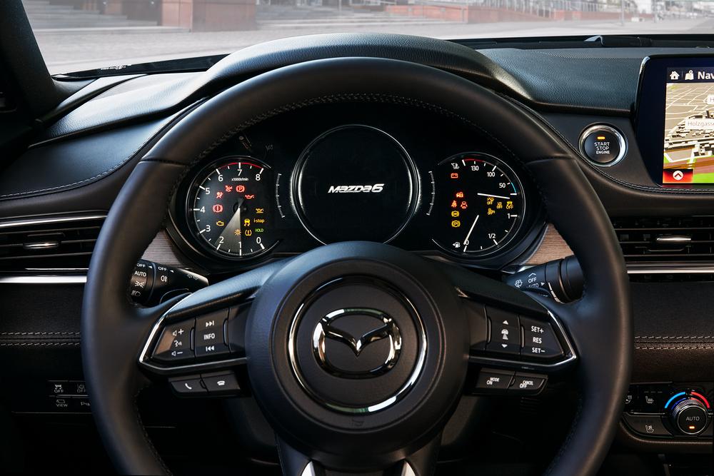 Mazda 6 GJ [2-й рестайлинг] (2017) Седан интерьер