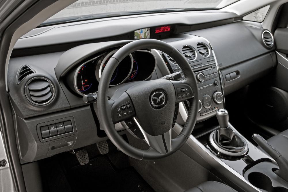 Mazda CX-7 1 поколение рестайлинг Кроссовер интерьер