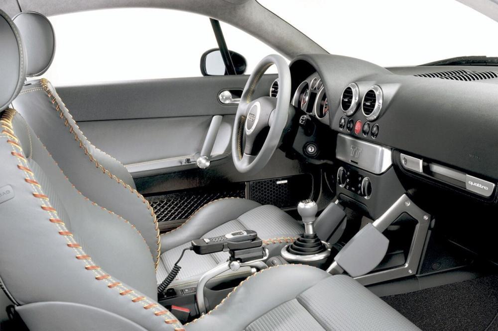 Audi TT 1 поколение 8N Купе интерьер