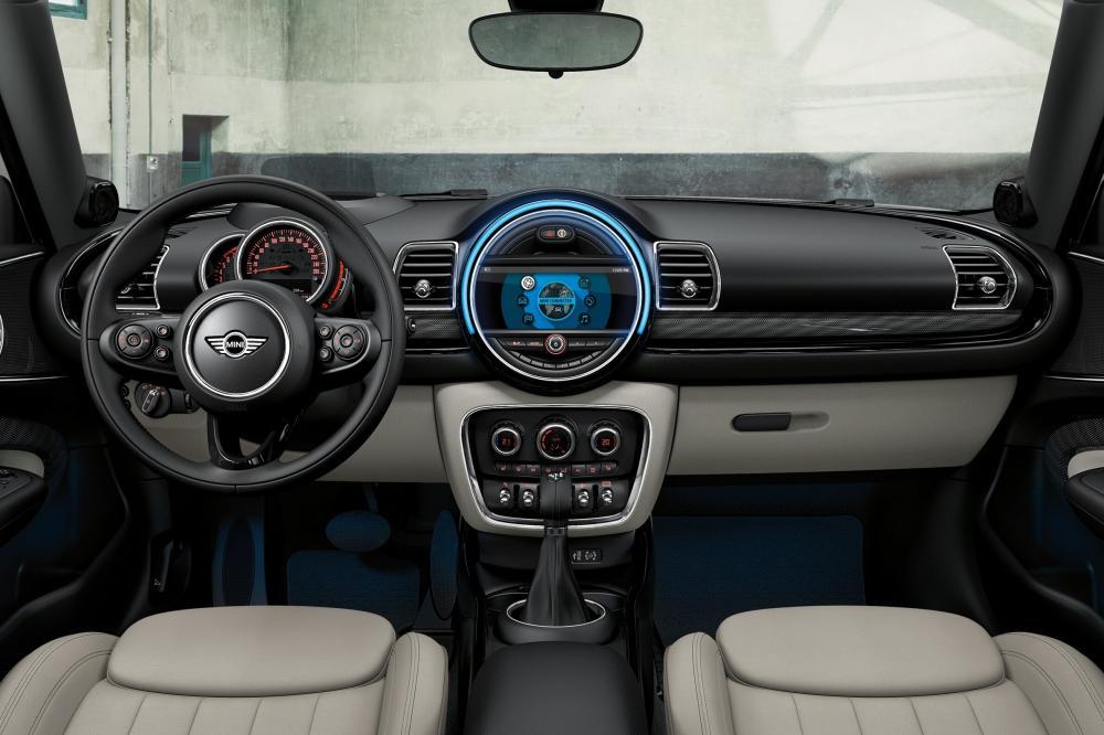 Mini Countryman 2 поколение F60 Cooper интерьер