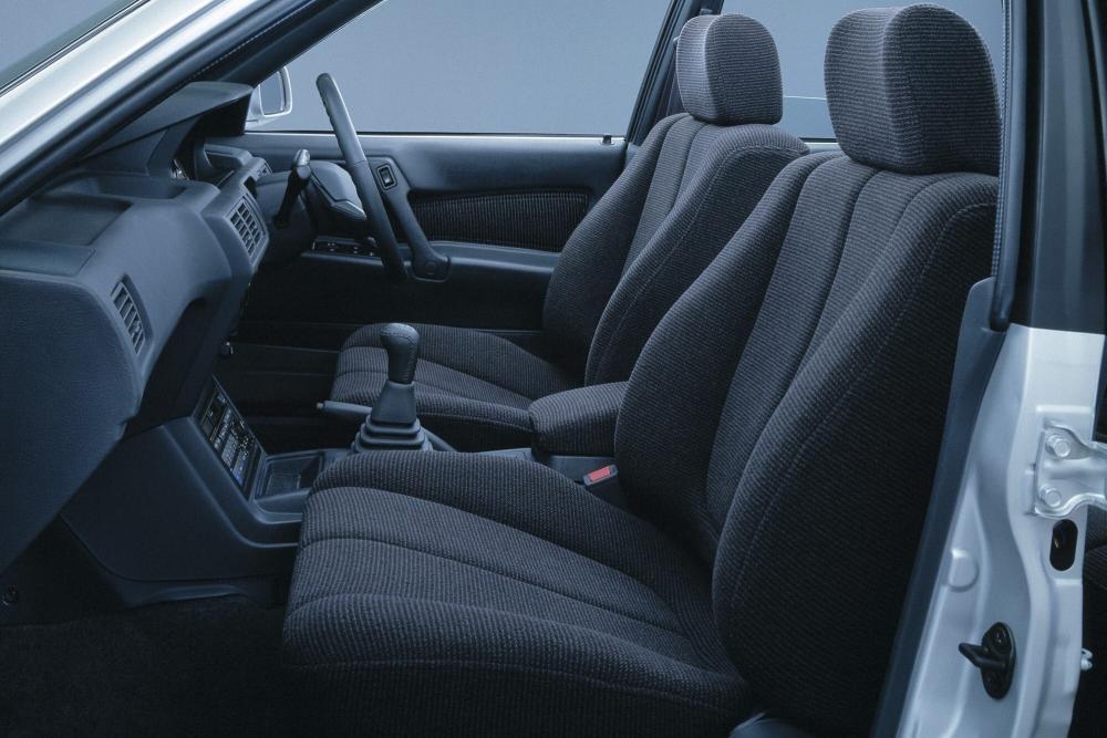Mitsubishi Galant 6 поколение Седан интерьер