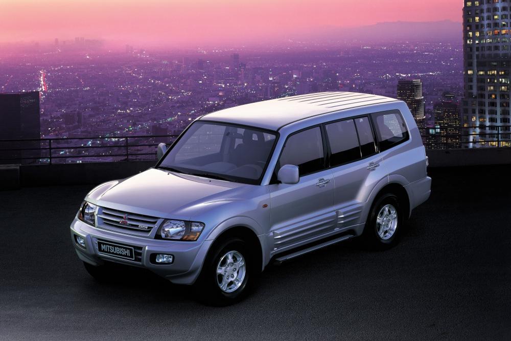Mitsubishi Pajero 3 поколение Внедорожник 5-дв.