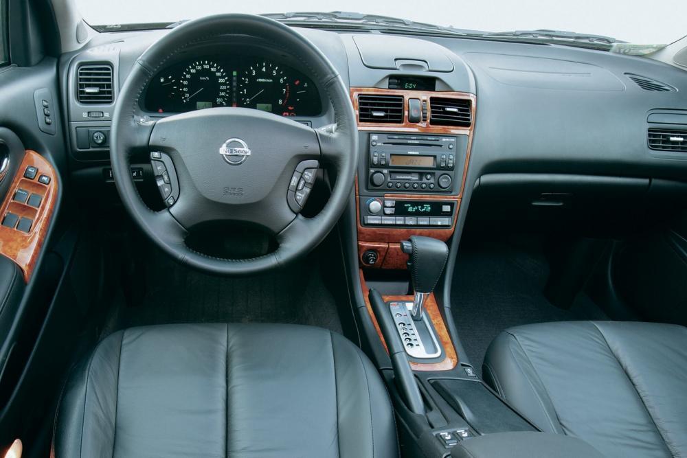 Nissan Maxima QX A33 [рестайлинг] (2004-2006) Седан интерьер
