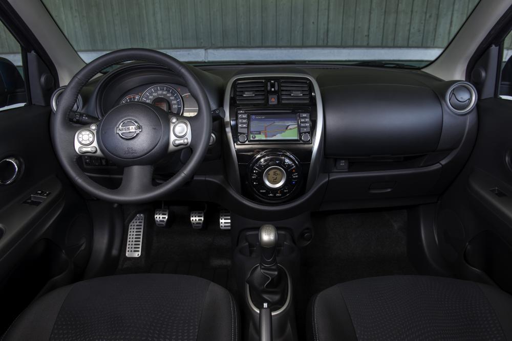 Nissan Micra 4 поколение K13 [рестайлинг] (2013-2016) Хетчбэк интерьер