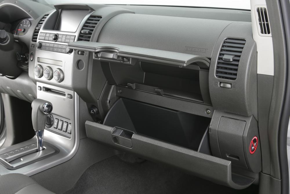 Nissan Navara D40 (2005-2010) Пикап интерьер