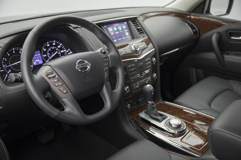 Nissan Patrol 6 поколение Y62 рестайлинг интерьер