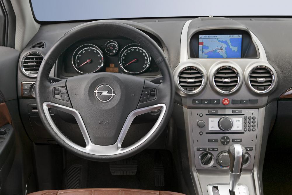 Opel Antara 1 поколение (2006-2011) Кроссовер интерьер